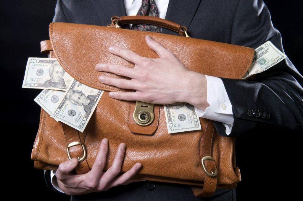 Хочу инвестировать в валюту и драгоценные металлы. Защитит ли это мой портфель?